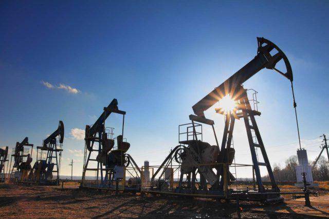 Рекордный обвал нефти в 2018 году: Brent и WTI отправились в пике
