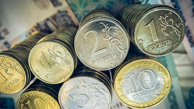 Рубль стремительно растет вверх