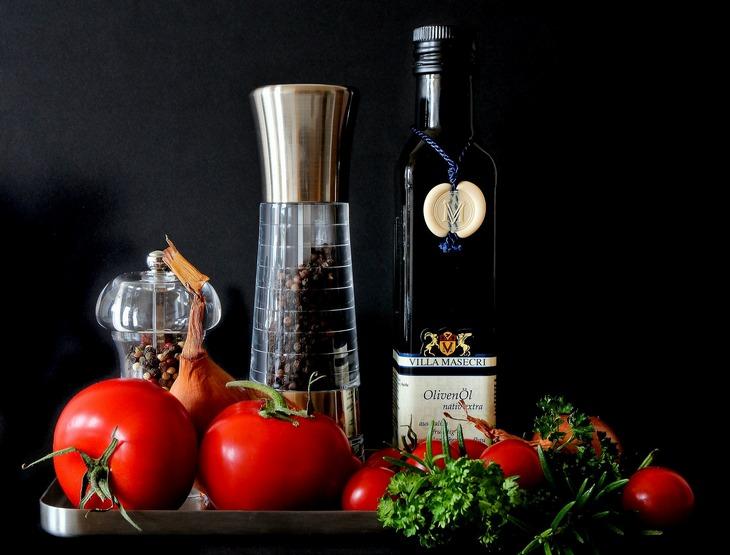 масло и томаты