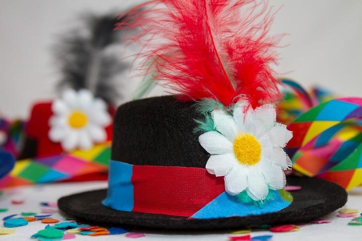 маскарадная шляпа
