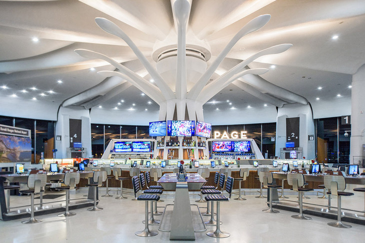 ресторан в аэропорту